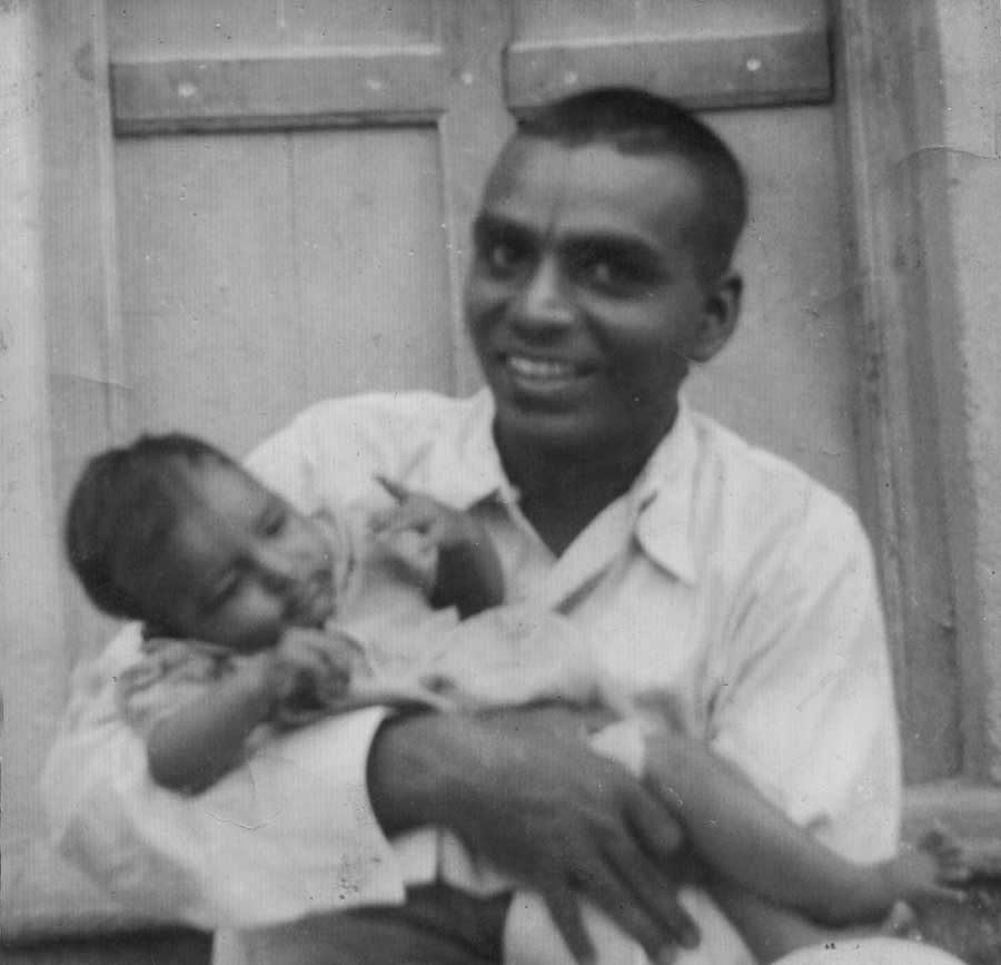 Geeta Iyenengar as a baby with her father